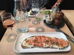 pink lunch at cuisine du bar tartine poilane tartines