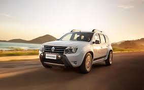 renault duster 2017 comparison renault duster 2015 vs peugeot 2008 gt line 2017