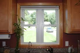 small kitchen windows treatment ideas