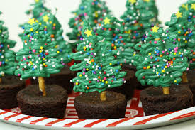 simple u0026 easy chocolate pretzel christmas tree brownies u2013 forkly