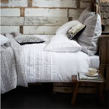 how to layer a bed how to layer bed linen good article with different exles and