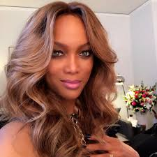 trading spaces host tyra banks returning to u0027america u0027s next top model u0027 as host next