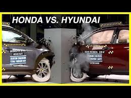 compare honda crv and hyundai tucson 2015 honda cr v vs 2016 hyundai tucson small overlap crash test