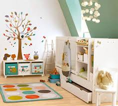 stickers muraux chambre fille ado 16 stickers muraux pour bien décorer la chambre de bébé