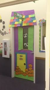 door decorations halloween cute haunted house door halloween ideas