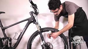pneu vtt tubeless ou chambre à air gonfler chambres à air pneus velo