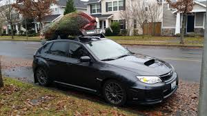 bagged subaru outback a 7 5 foot tall christmas tree does fit on top subaru