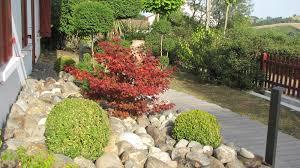idee amenagement jardin devant maison aménager un jardin de galets