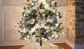 theme christmas tree decorate a travel theme christmas tree