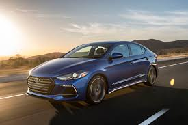 2017 hyundai elantra performance review the car connection
