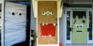 Frankenstein Door Decoration 18 Scarily Easy Diy Halloween Decorations