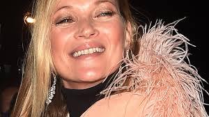 Schlafzimmerblick Frau Party Nacht Kate Moss In Desaströsem Zustand Promiflash De