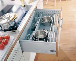 rangement cuisine pratique rangement cuisine pratique eclairage cuisine sous meuble des