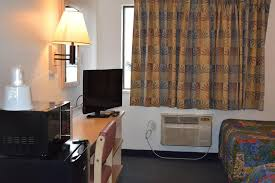 Grand Rapids Mi Airport Motel 6 Grand Rapids E East Grand Rapids Mi Booking Com