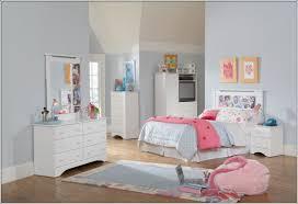 mobilier chambre d enfant meuble chambre enfant maison design wiblia com