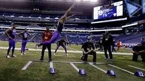 Combine Bench Press Record Nfl Combine Records To Watch