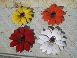 metal flowers for wall hanging or garden stake