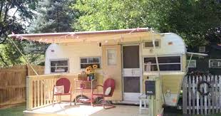 Henderson Auctions Katrina Cottages by Living Simply Part 1 Vintage Trailers Cozy Little House