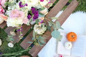 inexpensive flowers how to make an inexpensive floral arrangement for fall the