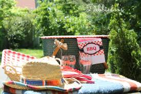 picnic basket ideas repurposed vintage picnic basket debbiedoos