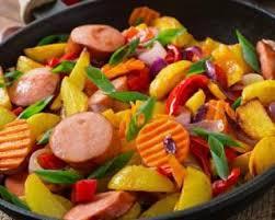 cuisiner des saucisses fum馥s recette de poêlée minceur de légumes à la saucisse fumée