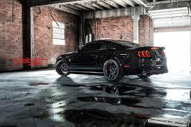Black 04 Mustang Gt 20