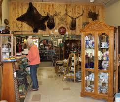 cody antique store center view busybeetraveler