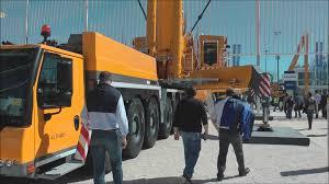 massive liebherr 750 ton lift capacity mobile crane youtube