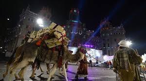 fotos reyes magos cabalgata madrid llegan los reyes magos con frío y fuertes medidas de seguridad