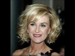 20 classy and simple short hairstyles for women over 50 youtube