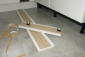 plinthe sous meuble cuisine plinthe cuisine ikea plinthe sous