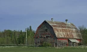 file gambrel roof barn upper peninsula jpg wikimedia commons