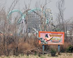 Six Flags In Winter Abandoned Six Flag New Orleans Photos Eerie Photos Of Still