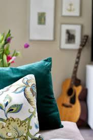 Diy Living Room Ideas On A Budget Livelovediy 10 Budget Decorating Tips
