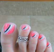 pink and grey toe nail art with tiny clear crystals read more on
