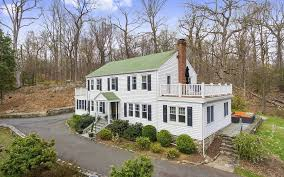 classic 1930 u0027s center hall colonial 50 shingle house road