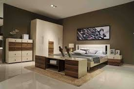 White Walls Dark Furniture Bedroom Dark Wood Bedroom Furniture Decor Contemporary Brown And White