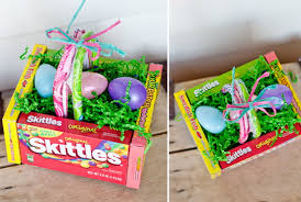 candy basket ideas 40 diy dollar store easter gift ideas simple made pretty