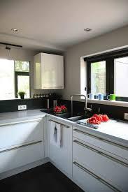 papier peint pour cuisine blanche couleur décoration cuisine optez pour l indémodable cuisine