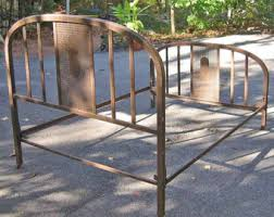 Metal Frame Bed Queen Antique Metal Bed Frame Queen Genwitch