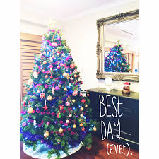 5 reasons to put your christmas tree up in october love wednesday