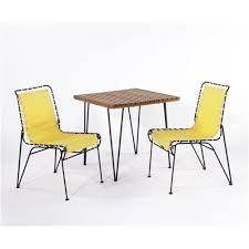 2 Armchairs Pipsan Saarinen Swanson Dining Table And 2 Armchairs