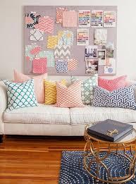 coussin deco canape le canapé beige meuble classique pour le salon archzine fr