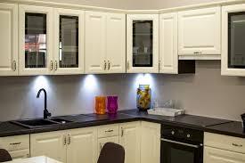 cuisine integre eclairage de cuisine les conseils à suivre