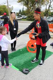 spirit halloween ct all fun no frights at halloween family events chicago tribune