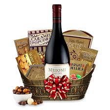 wine gifts delivered send a meiomi pinot noir gift basket online wine gift