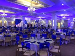 royal blue white gold wedding guide to decorate a wedding with