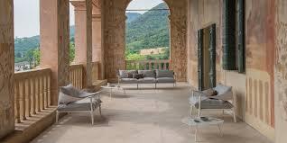 canapé balcon 20 canapés de jardin pour un coin outdoor relax
