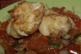 comment cuisiner de la raie joues de raie façon rougail tomate combava balade gourmande de cécile