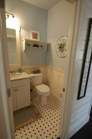 Bathroom With Wainscoting Ideas by 22 Best Wainscoting And Moulding Images On Pinterest Wainscoting